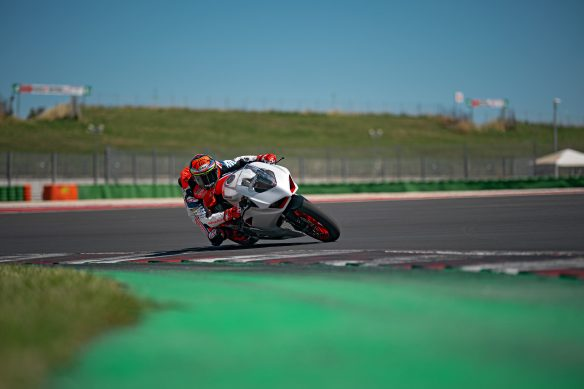 DUCATI_PANIGALE_V2_AMBIENCE _5__UC174126_High
