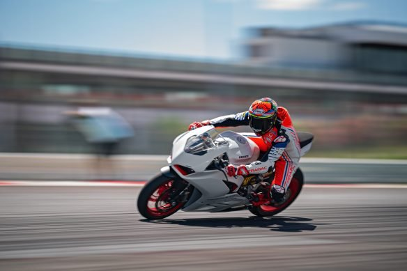 DUCATI_PANIGALE_V2_AMBIENCE _7__UC174127_High