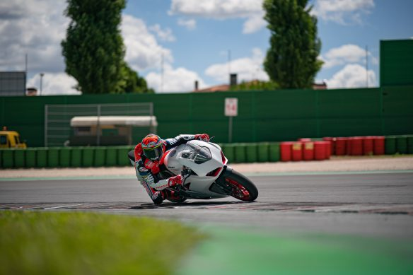 DUCATI_PANIGALE_V2_AMBIENCE _9__UC174129_High